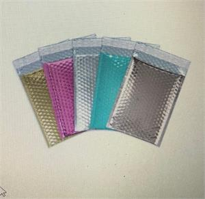 8.375 x 11.25 Metallic Bubble Mailers case 75